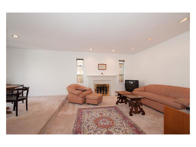 Photo 3: Photos: 3111 W 6TH Avenue in Vancouver: Kitsilano House 1/2 Duplex for sale (Vancouver West)  : MLS®# V1057939