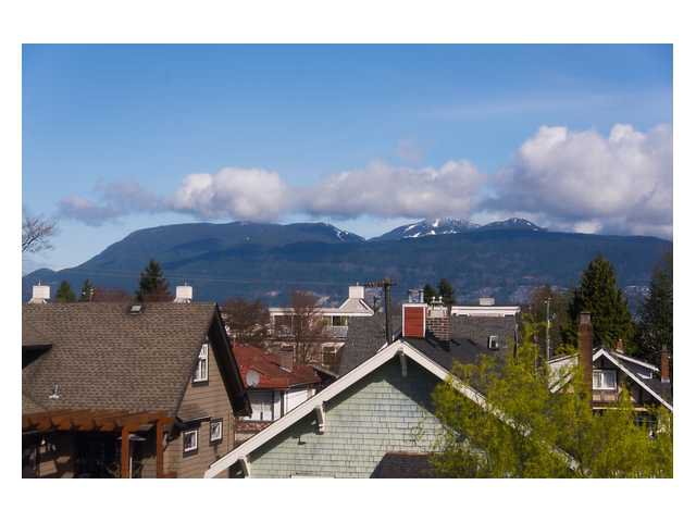 Photo 13: Photos: 3111 W 6TH Avenue in Vancouver: Kitsilano House 1/2 Duplex for sale (Vancouver West)  : MLS®# V1057939