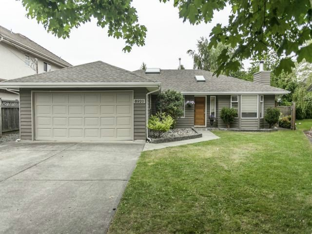 """Main Photo: 8920 CAIRNMORE Place in Richmond: Seafair House for sale in """"SEAFAIR"""" : MLS®# V1089969"""