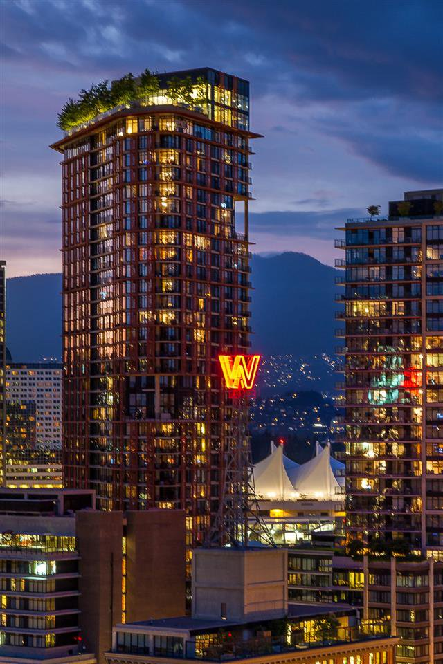 "Main Photo: 3508 128 W CORDOVA Street in Vancouver: Downtown VW Condo for sale in ""WOODWARDS (W43)"" (Vancouver West)  : MLS®# R2007917"