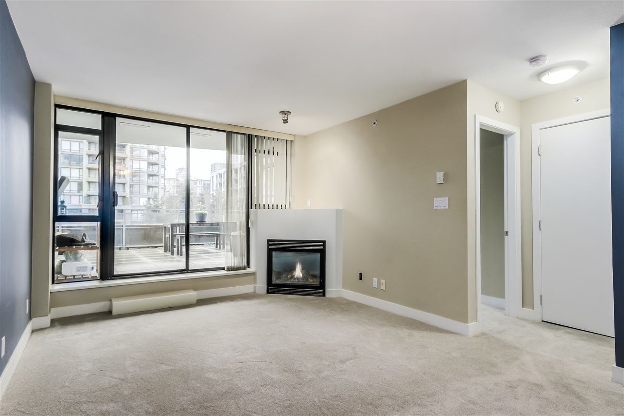 "Photo 5: Photos: 407 155 W 1 Street in North Vancouver: Lower Lonsdale Condo for sale in ""Time East"" : MLS®# R2031925"