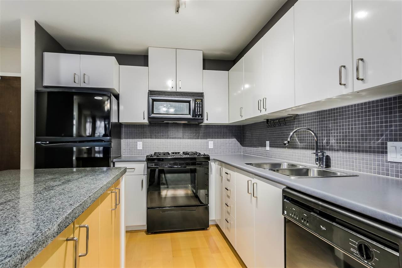"Photo 12: Photos: 407 155 W 1 Street in North Vancouver: Lower Lonsdale Condo for sale in ""Time East"" : MLS®# R2031925"