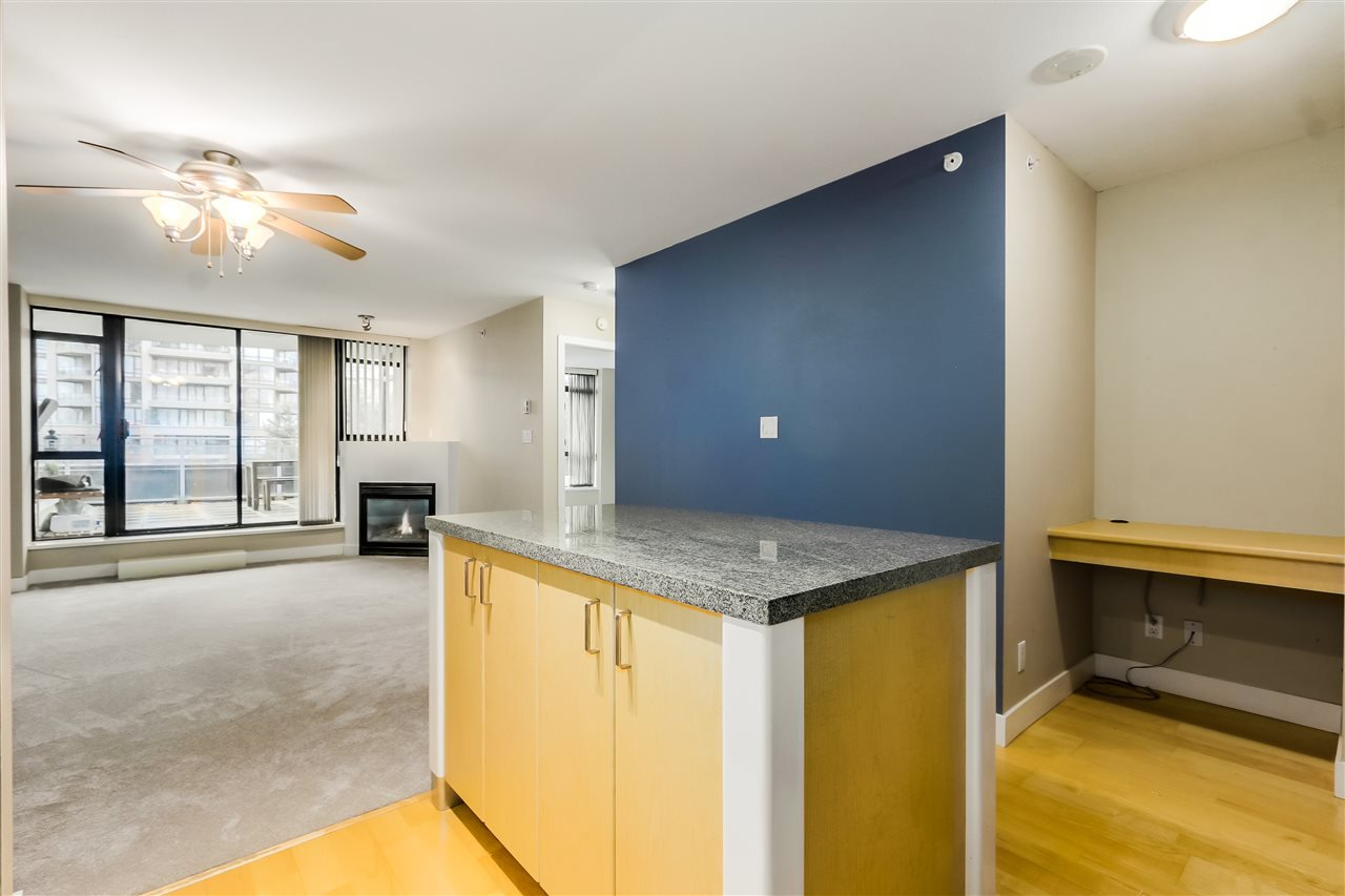 "Photo 11: Photos: 407 155 W 1 Street in North Vancouver: Lower Lonsdale Condo for sale in ""Time East"" : MLS®# R2031925"