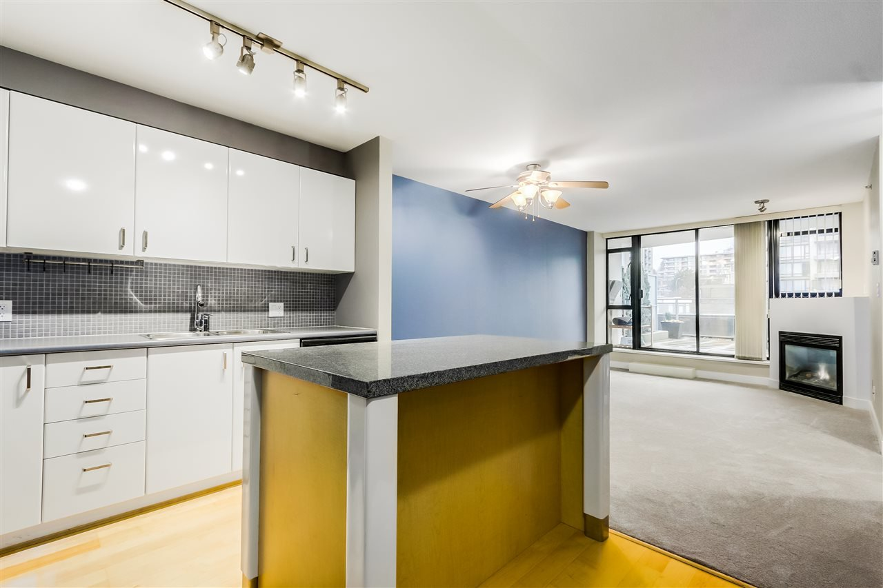 "Photo 3: Photos: 407 155 W 1 Street in North Vancouver: Lower Lonsdale Condo for sale in ""Time East"" : MLS®# R2031925"