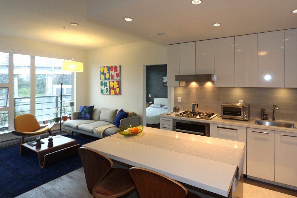 "Main Photo: 204 1628 W 4TH Avenue in Vancouver: False Creek Condo for sale in ""RADIUS"" (Vancouver West)  : MLS®# R2045521"