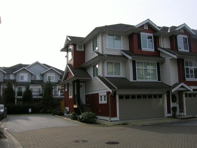 "Main Photo: 52 6956 193 Street in Surrey: Clayton Townhouse for sale in ""EDGE"" (Cloverdale)  : MLS®# R2045231"