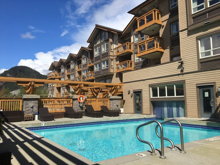 Main Photo: 425 40900 TANTALUS Road in Squamish: Tantalus Condo for sale : MLS®# R2167878
