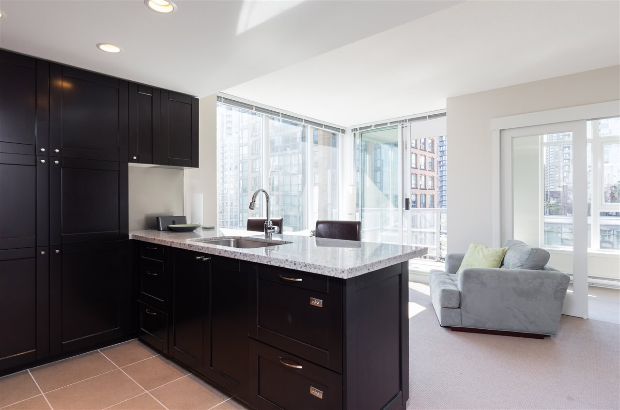 Main Photo: 907 1133 HOMER STREET in Vancouver: Yaletown Condo for sale (Vancouver West)  : MLS®# R2186123