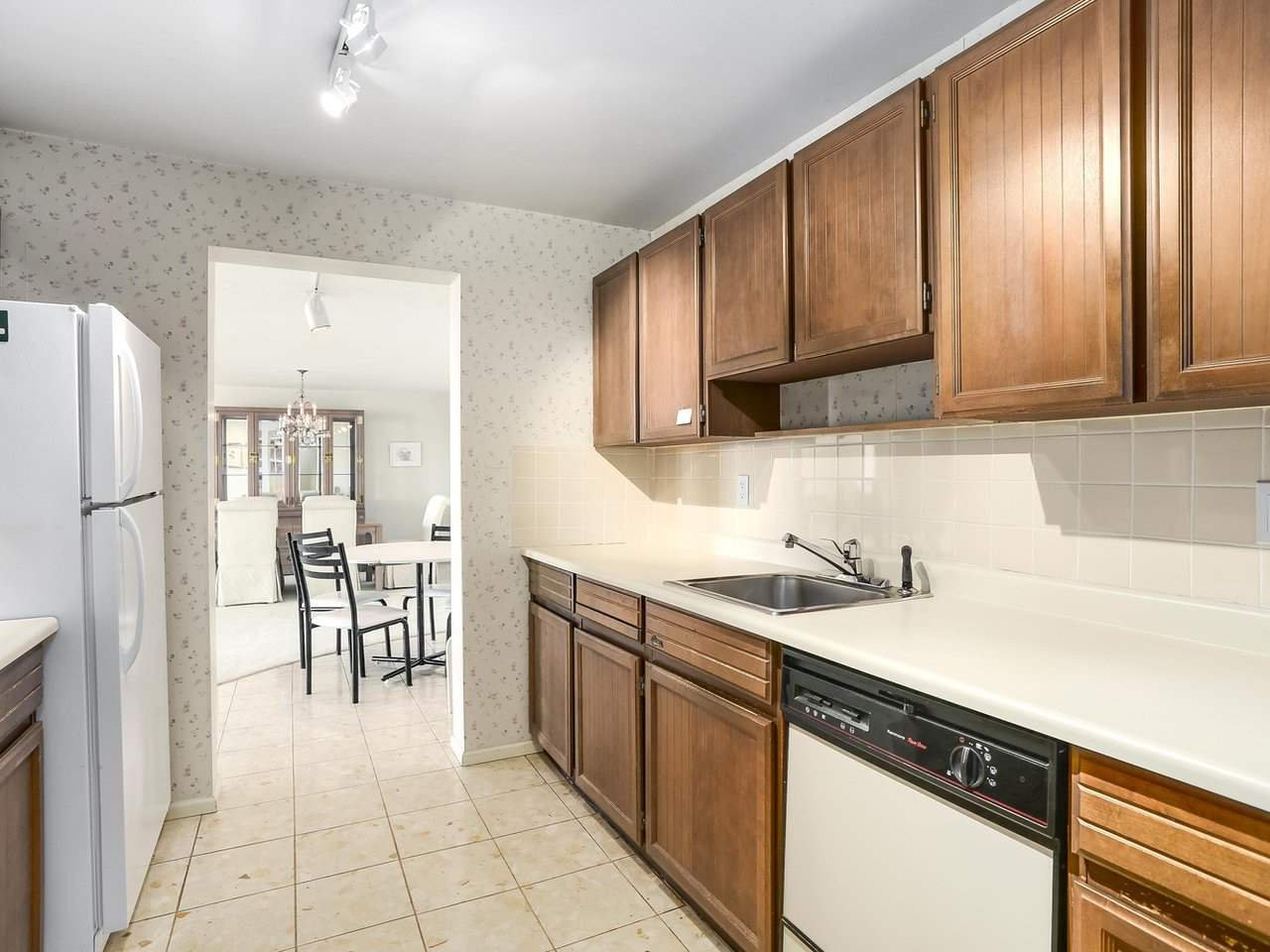 "Photo 4: Photos: 1608 6651 MINORU Boulevard in Richmond: Brighouse Condo for sale in ""REGENCY PARK TOWERS"" : MLS®# R2209522"