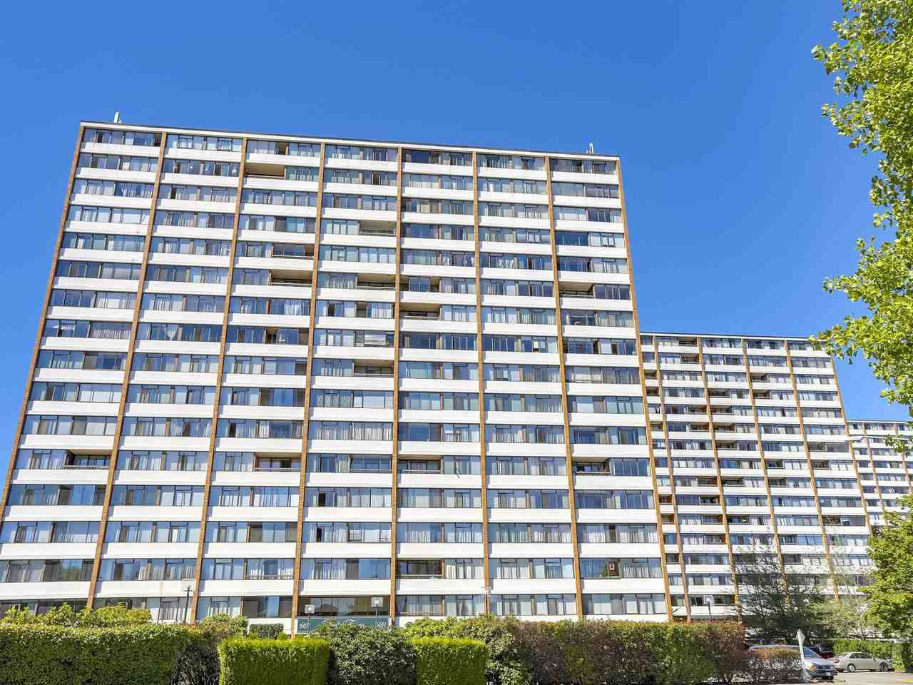 "Main Photo: 1608 6651 MINORU Boulevard in Richmond: Brighouse Condo for sale in ""REGENCY PARK TOWERS"" : MLS®# R2209522"
