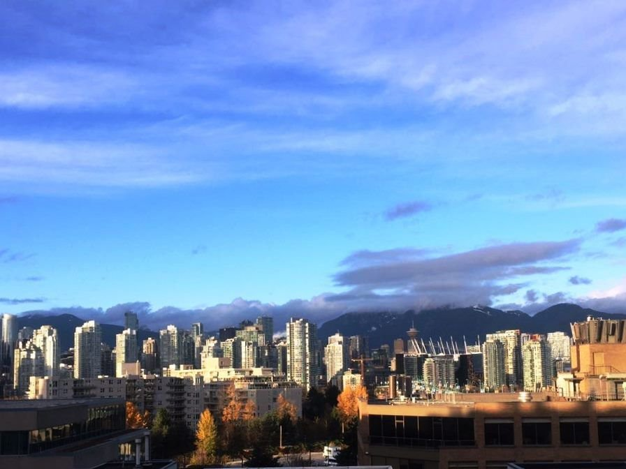 """Main Photo: 802 538 W 7TH Avenue in Vancouver: Fairview VW Condo for sale in """"CAMBIE+7"""" (Vancouver West)  : MLS®# R2224956"""