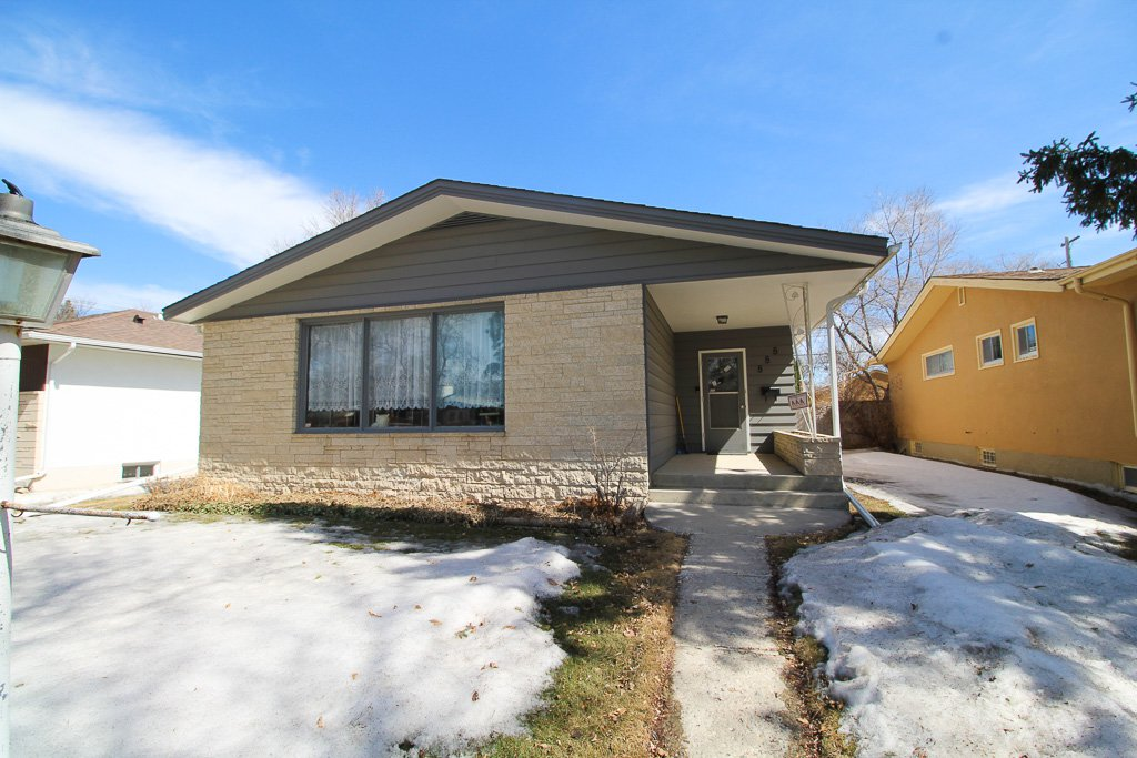 Main Photo: South River Heights Bungalow For Sale in Winnipeg