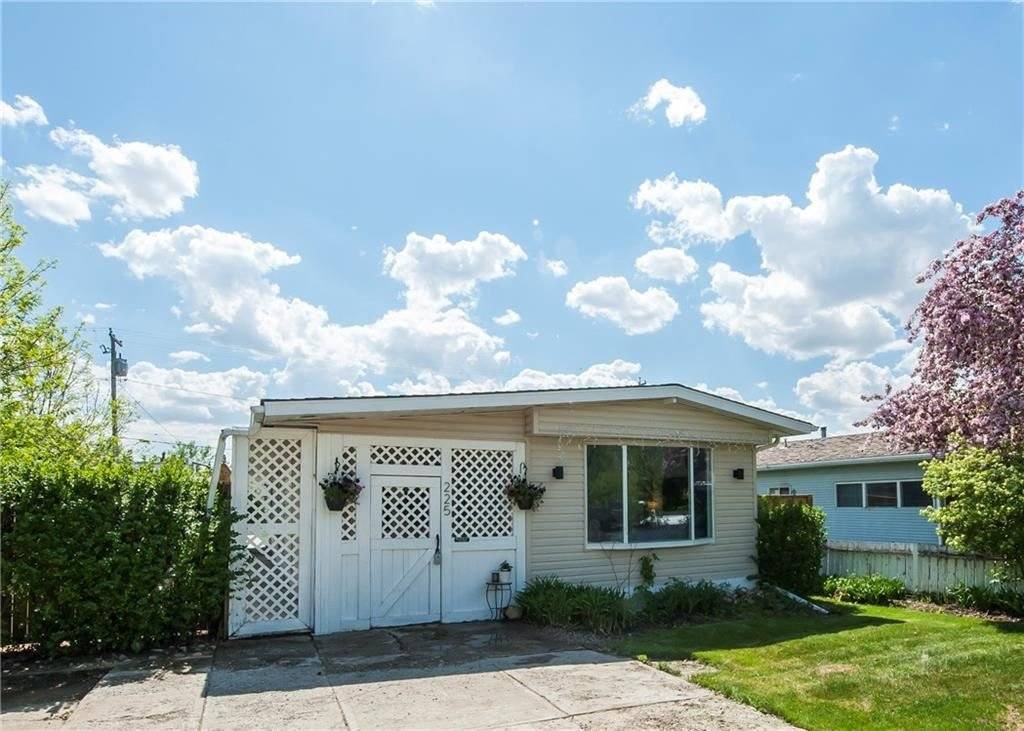 Main Photo: 225 1 Street: Irricana House for sale : MLS®# C4185976