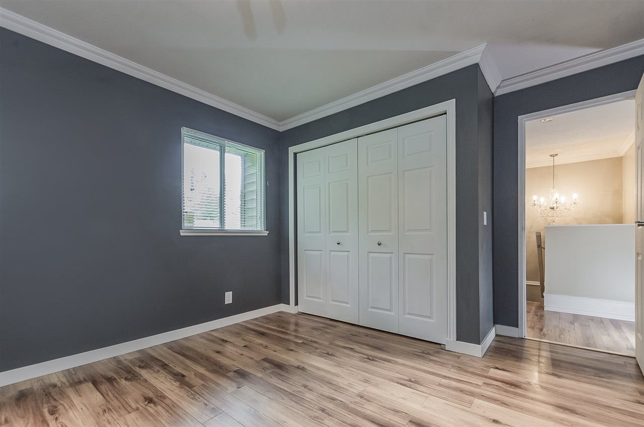 """Photo 16: Photos: 6036 W GREENSIDE Drive in Surrey: Cloverdale BC Townhouse for sale in """"Greenside Estates"""" (Cloverdale)  : MLS®# R2278034"""