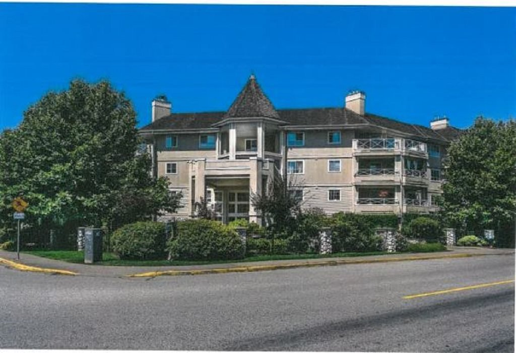 "Main Photo: 313 20145 55A Avenue in Langley: Langley City Condo for sale in ""Blackbury Lane"" : MLS®# R2344783"