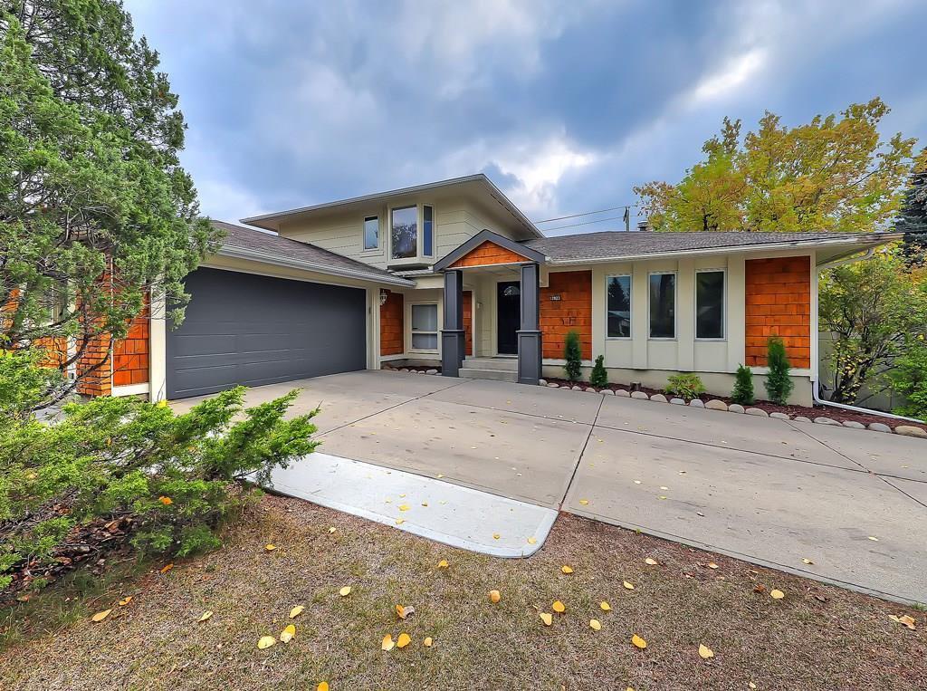 Main Photo: 13923 PARKLAND Boulevard SE in Calgary: Parkland Detached for sale : MLS®# C4237487