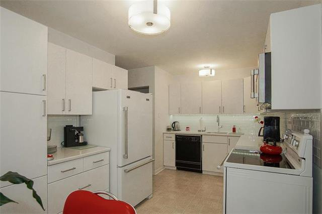 Photo 3: Photos: 317 Shelley Street in Winnipeg: Westwood Residential for sale (5G)  : MLS®# 1913354