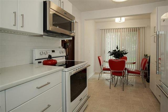 Photo 2: Photos: 317 Shelley Street in Winnipeg: Westwood Residential for sale (5G)  : MLS®# 1913354