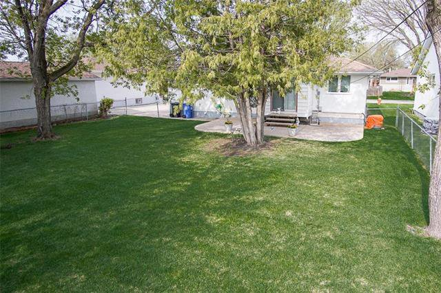 Photo 19: Photos: 317 Shelley Street in Winnipeg: Westwood Residential for sale (5G)  : MLS®# 1913354