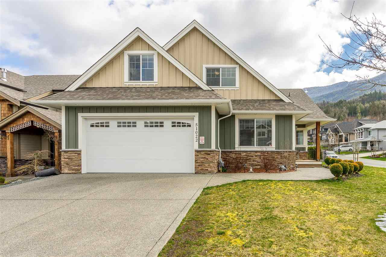Main Photo: 51022 SOPHIE Crescent in Chilliwack: Eastern Hillsides House for sale : MLS®# R2437084