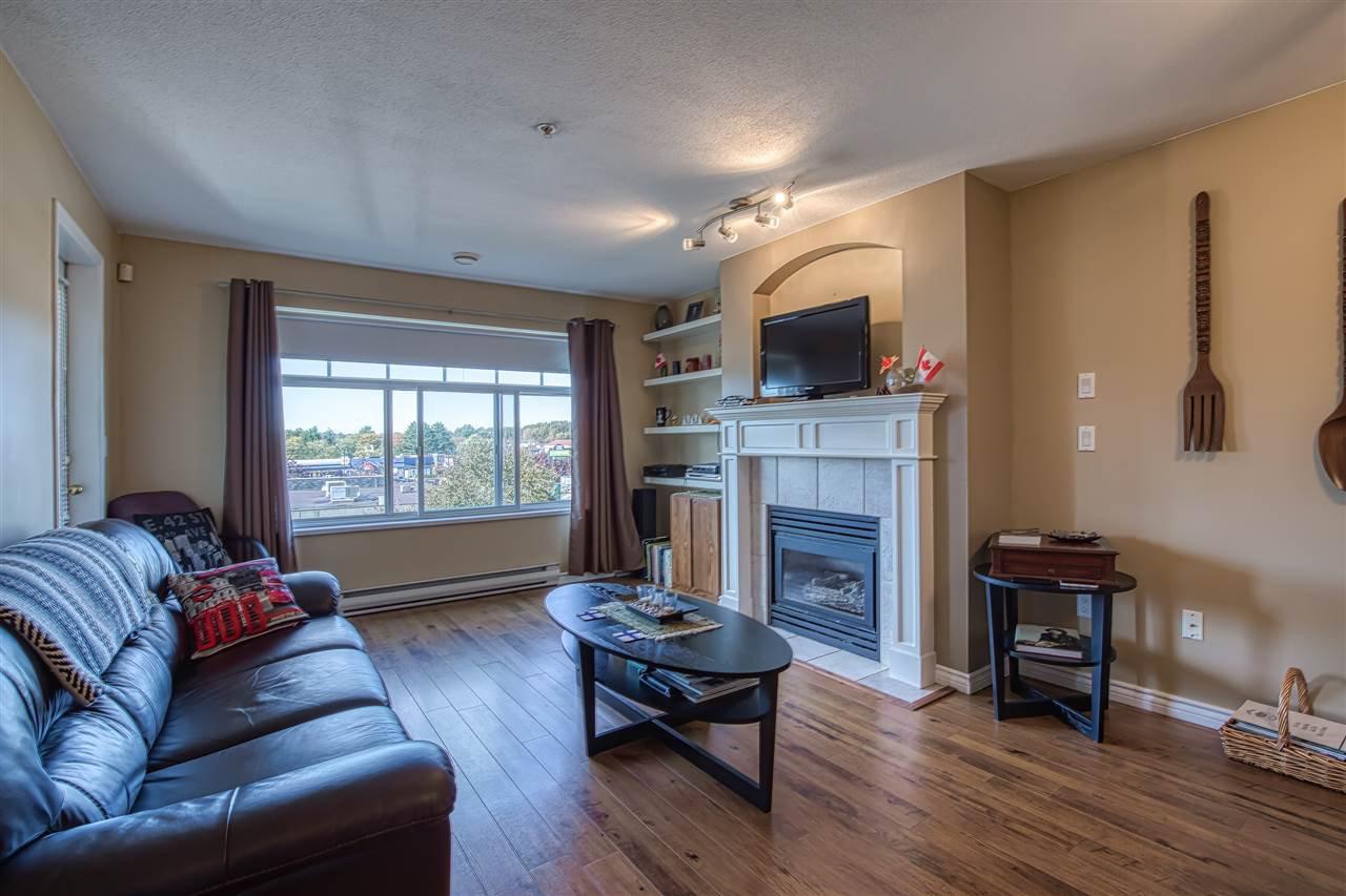 Main Photo: 320 4770 52A STREET in Ladner: Delta Manor Condo for sale : MLS®# R2409318