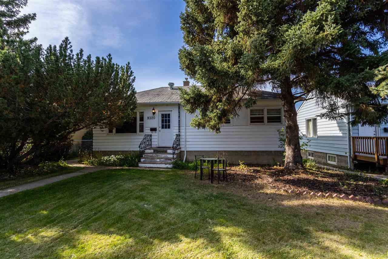 Main Photo: 9320 85 Street in Edmonton: Zone 18 House for sale : MLS®# E4208362