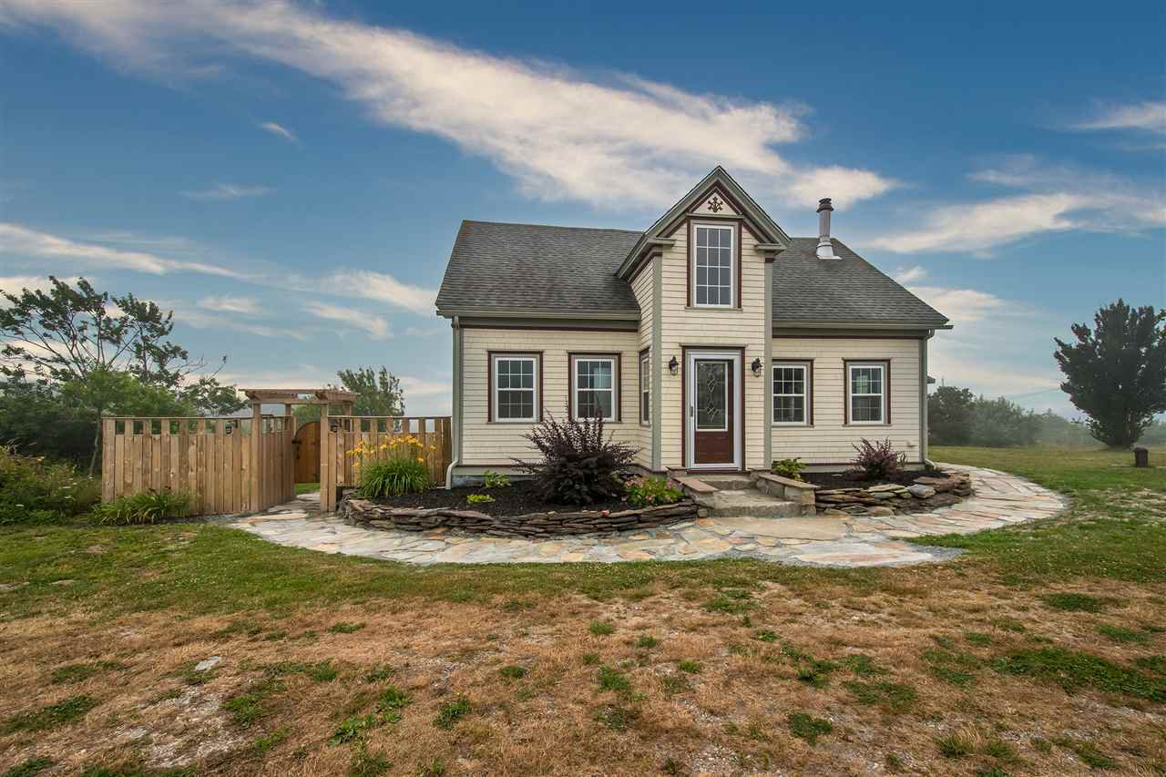 Main Photo: 1169 Little Harbour Road in Little Harbour: 407-Shelburne County Residential for sale (South Shore)  : MLS®# 202015027