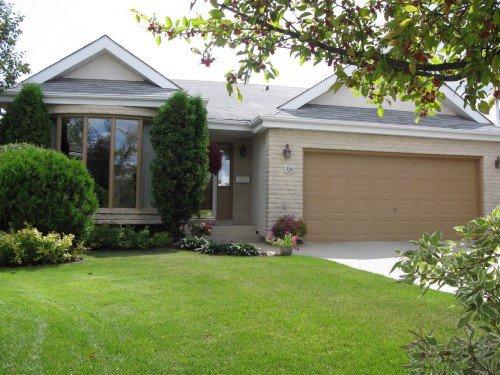 Main Photo: 20 Hajes Place in Winnipeg: Fort Garry / Whyte Ridge / St Norbert Single Family Detached for sale (South Winnipeg)  : MLS®# 1216996