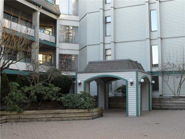 Photo 9: Photos: 312 2915 Glen Drive in Coquitlam: North Coquitlam Condo for sale : MLS®# V932384