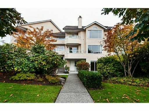 """Main Photo: # 4 261 W 16TH ST in North Vancouver: Central Lonsdale Townhouse for sale in """"LIONS VIEW COURT"""" : MLS®# V1041791"""