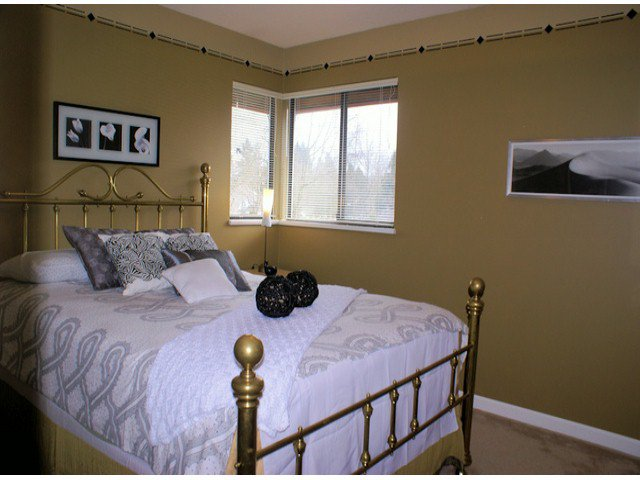 "Photo 7: Photos: 10463 OAK Gate in Surrey: Fraser Heights House for sale in ""GLENWOOD"" (North Surrey)  : MLS®# F1404972"