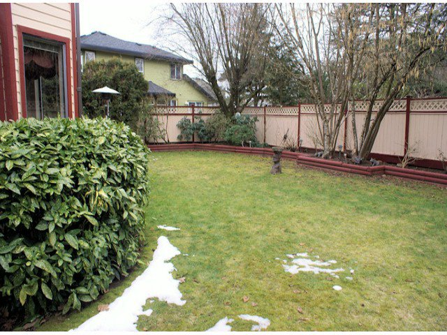 "Photo 13: Photos: 10463 OAK Gate in Surrey: Fraser Heights House for sale in ""GLENWOOD"" (North Surrey)  : MLS®# F1404972"