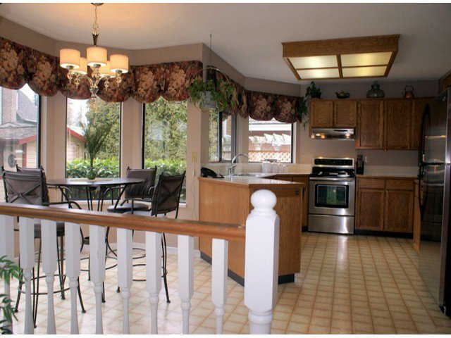 "Photo 4: Photos: 10463 OAK Gate in Surrey: Fraser Heights House for sale in ""GLENWOOD"" (North Surrey)  : MLS®# F1404972"