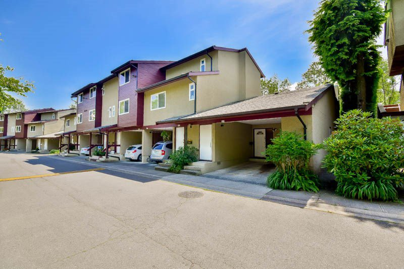 """Main Photo: 3424 LANGFORD Avenue in Vancouver: Champlain Heights Townhouse for sale in """"RICHVIEW GARDENS"""" (Vancouver East)  : MLS®# R2073849"""