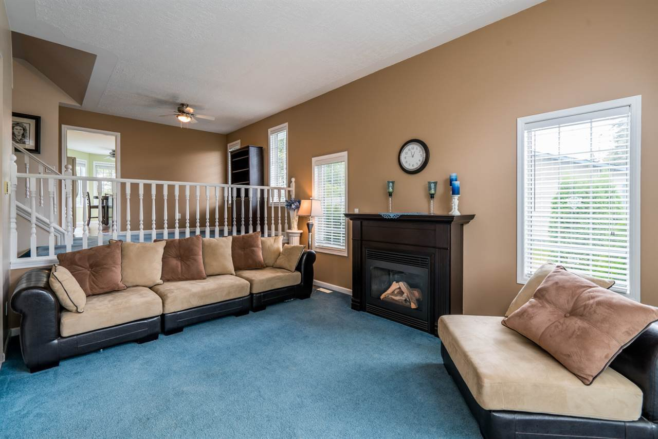 "Photo 2: Photos: 1726 SOMMERVILLE Road in Prince George: North Blackburn House for sale in ""SOMMERVILLE"" (PG City South East (Zone 75))  : MLS®# R2102795"