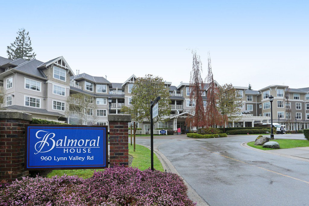"""Main Photo: 416 960 LYNN VALLEY Road in North Vancouver: Lynn Valley Condo for sale in """"Balmoral House"""" : MLS®# R2162251"""