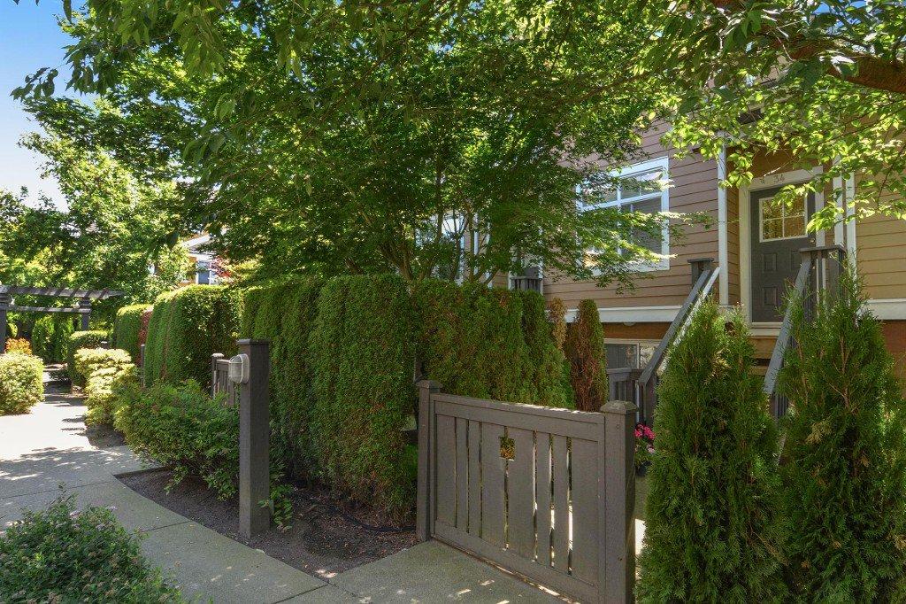 "Main Photo: 34 15233 34 Avenue in Surrey: Morgan Creek Townhouse for sale in ""SUNDANCE"" (South Surrey White Rock)  : MLS®# R2186571"