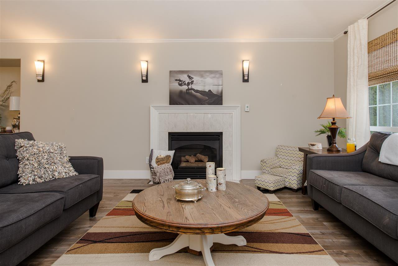"""Photo 9: Photos: 20672 93 Avenue in Langley: Walnut Grove House for sale in """"Greenwood"""" : MLS®# R2361168"""