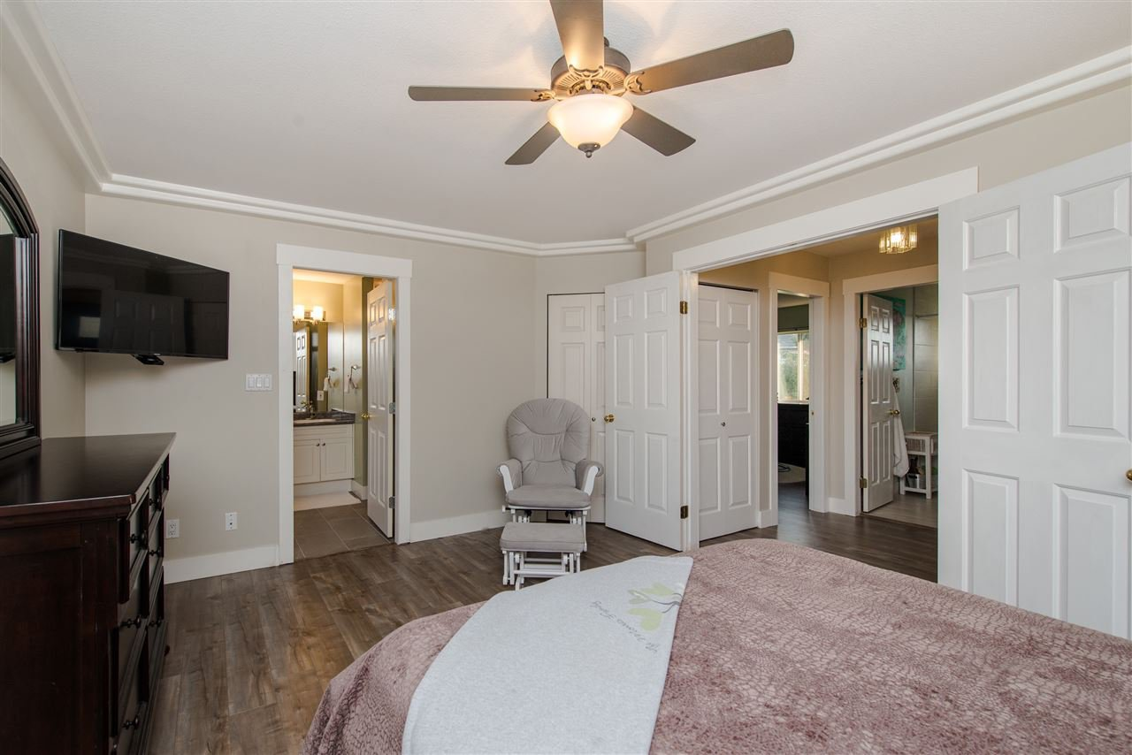"""Photo 17: Photos: 20672 93 Avenue in Langley: Walnut Grove House for sale in """"Greenwood"""" : MLS®# R2361168"""