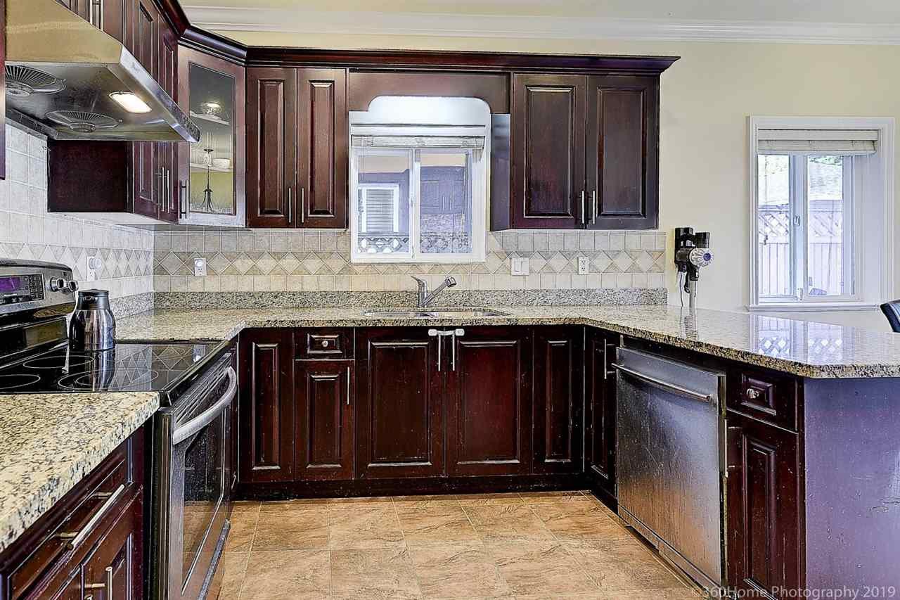 Photo 6: Photos: 5025 IRMIN Street in Burnaby: Metrotown 1/2 Duplex for sale (Burnaby South)  : MLS®# R2367509