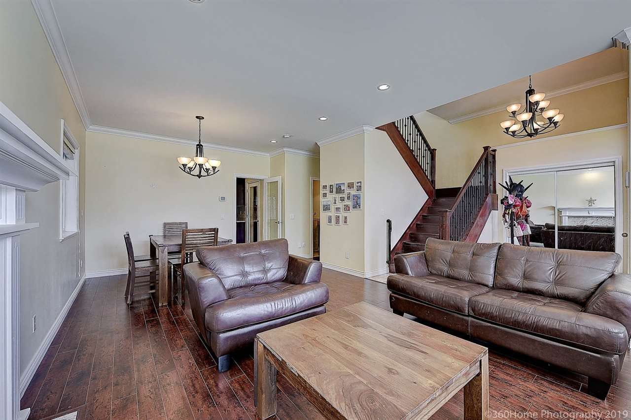 Photo 2: Photos: 5025 IRMIN Street in Burnaby: Metrotown 1/2 Duplex for sale (Burnaby South)  : MLS®# R2367509