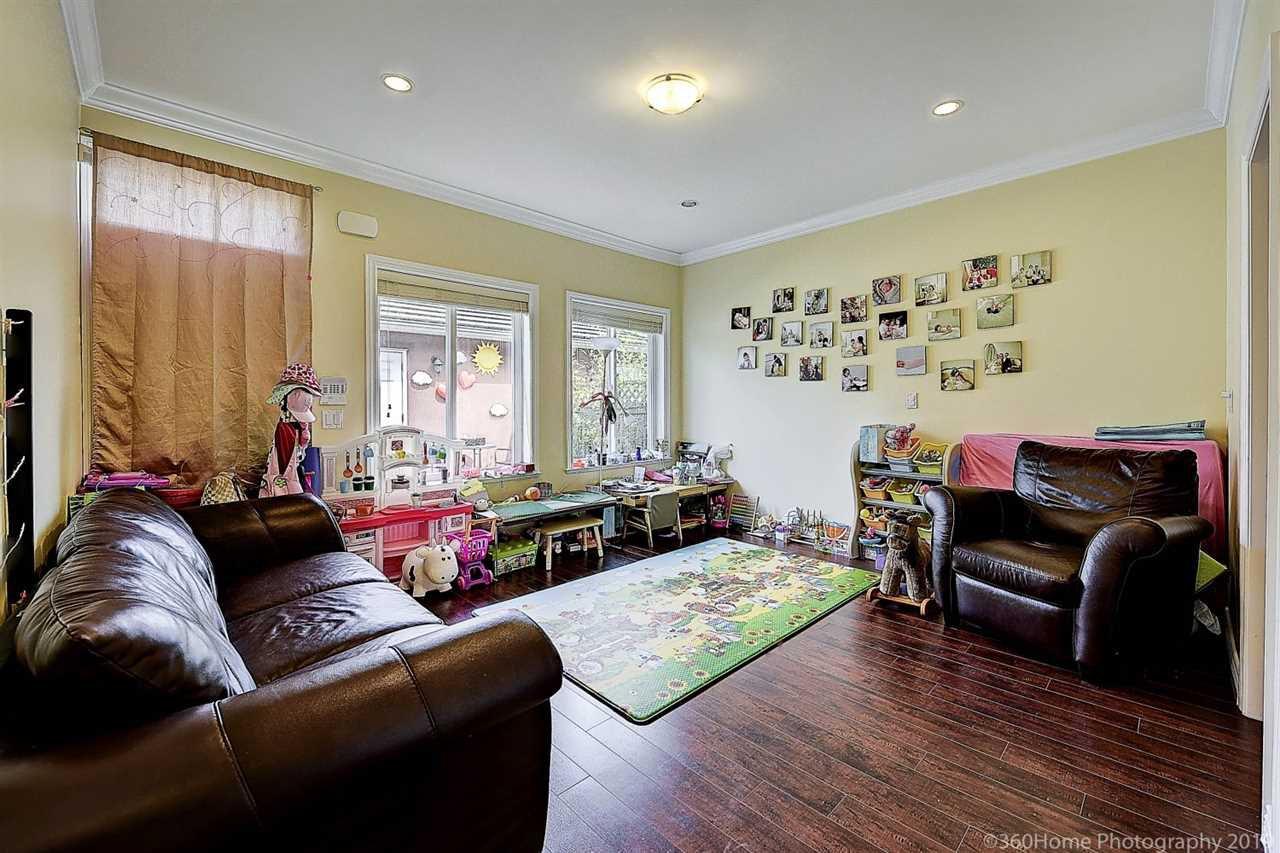 Photo 10: Photos: 5025 IRMIN Street in Burnaby: Metrotown 1/2 Duplex for sale (Burnaby South)  : MLS®# R2367509