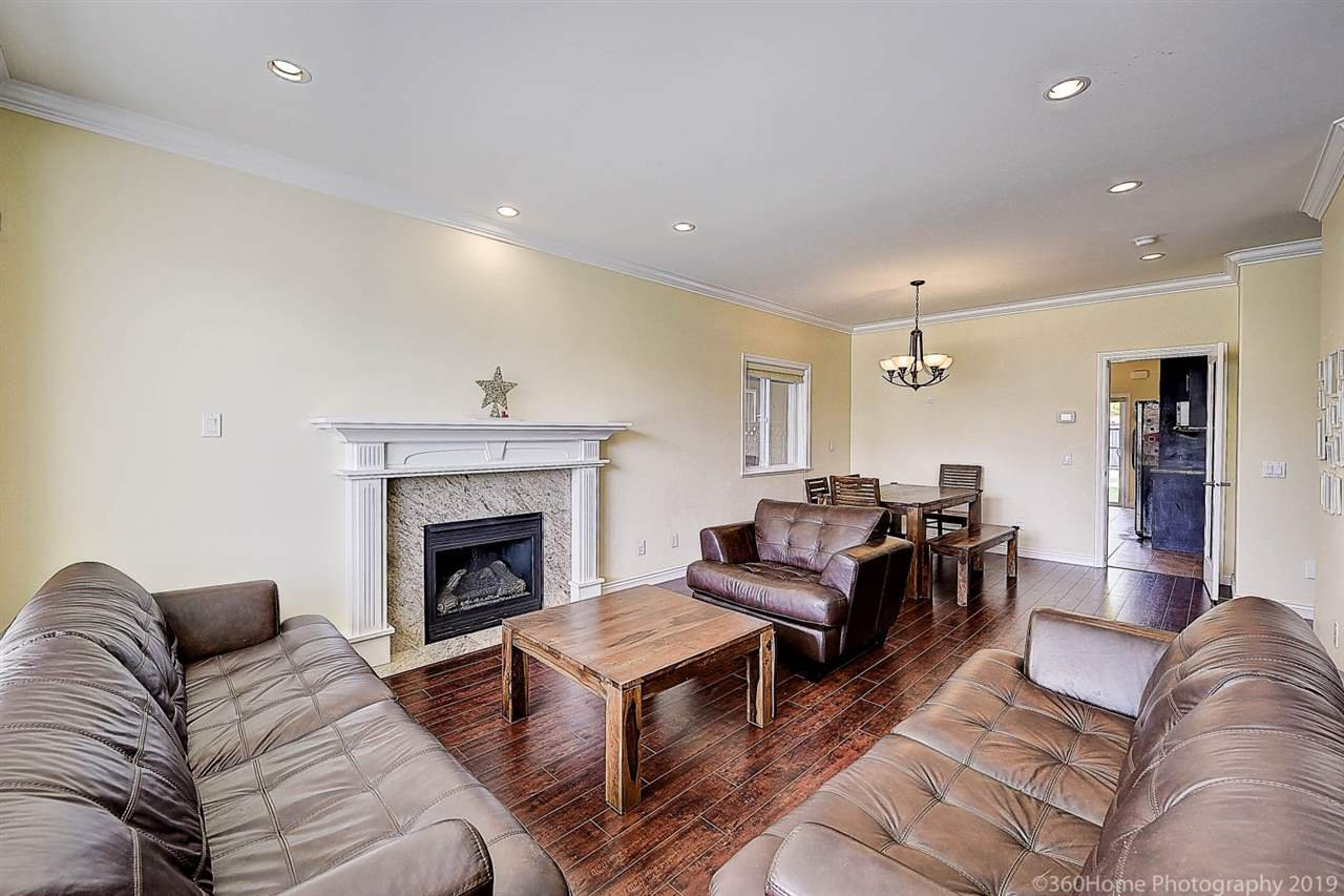 Photo 3: Photos: 5025 IRMIN Street in Burnaby: Metrotown 1/2 Duplex for sale (Burnaby South)  : MLS®# R2367509