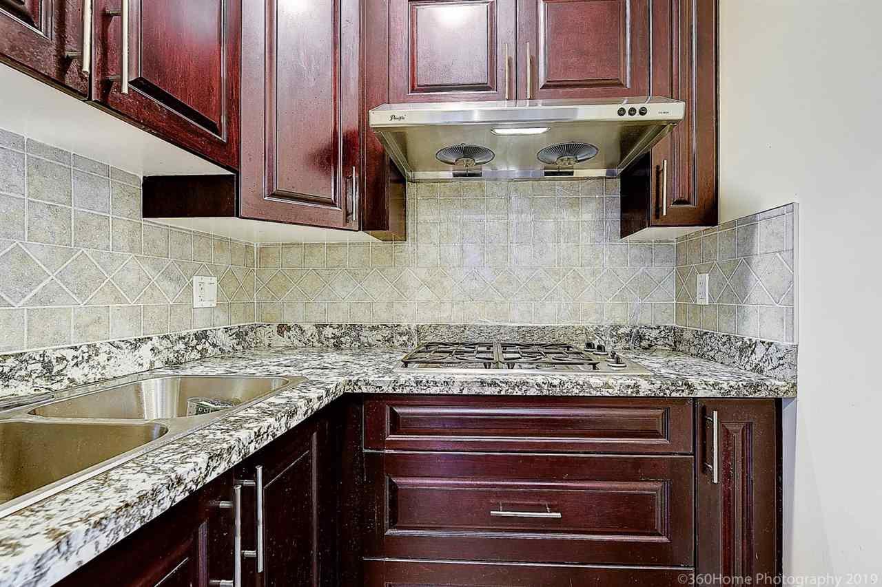 Photo 8: Photos: 5025 IRMIN Street in Burnaby: Metrotown 1/2 Duplex for sale (Burnaby South)  : MLS®# R2367509
