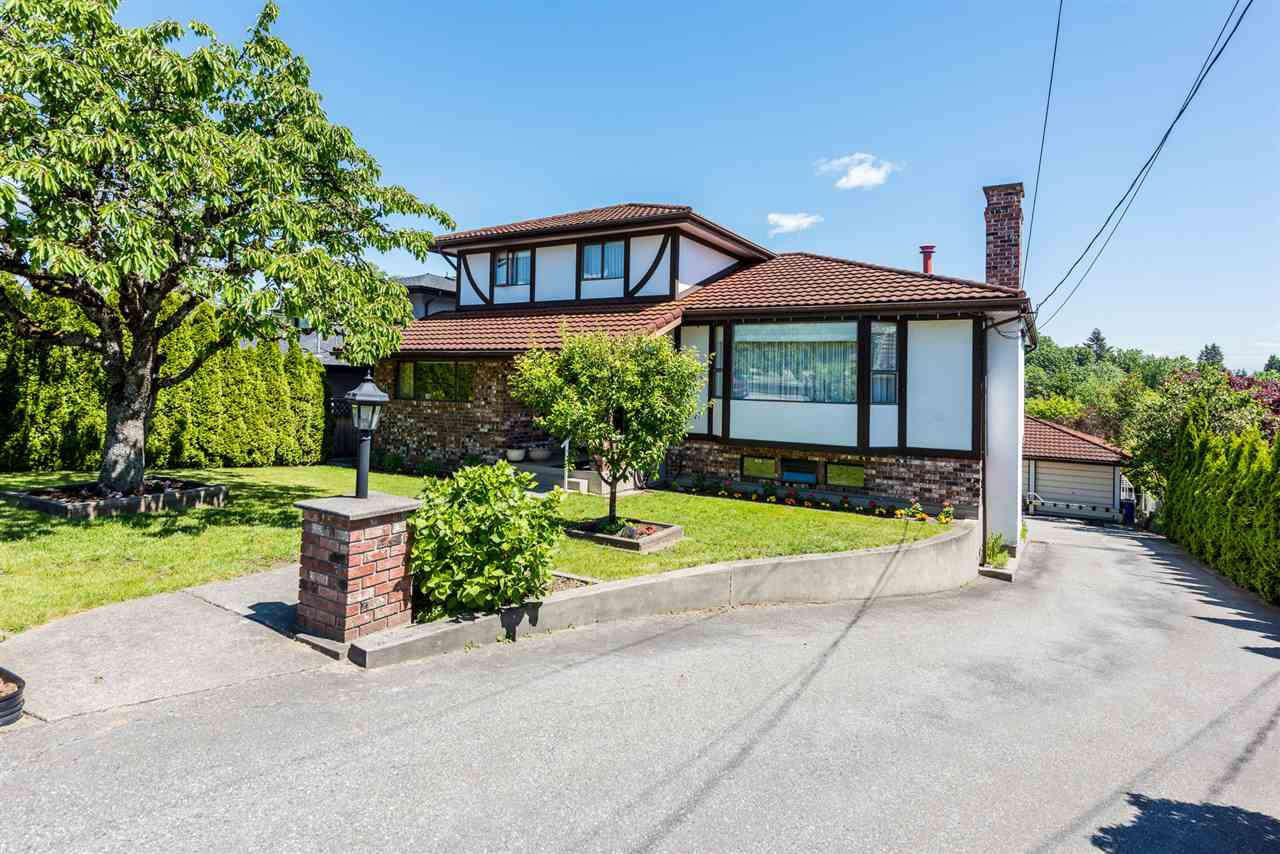 Main Photo: 1680 SPRINGER Avenue in Burnaby: Parkcrest House for sale (Burnaby North)  : MLS®# R2374075