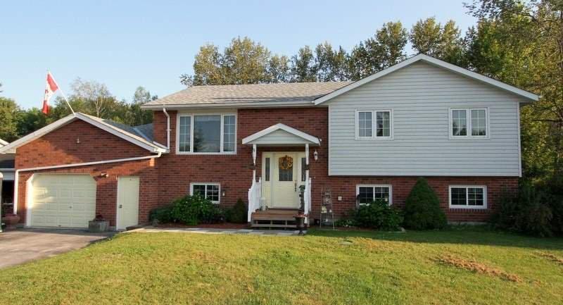 Main Photo: 10 Greenwood Crescent in Kawartha Lakes: Rural Eldon House (Bungalow-Raised) for sale : MLS®# X4506117