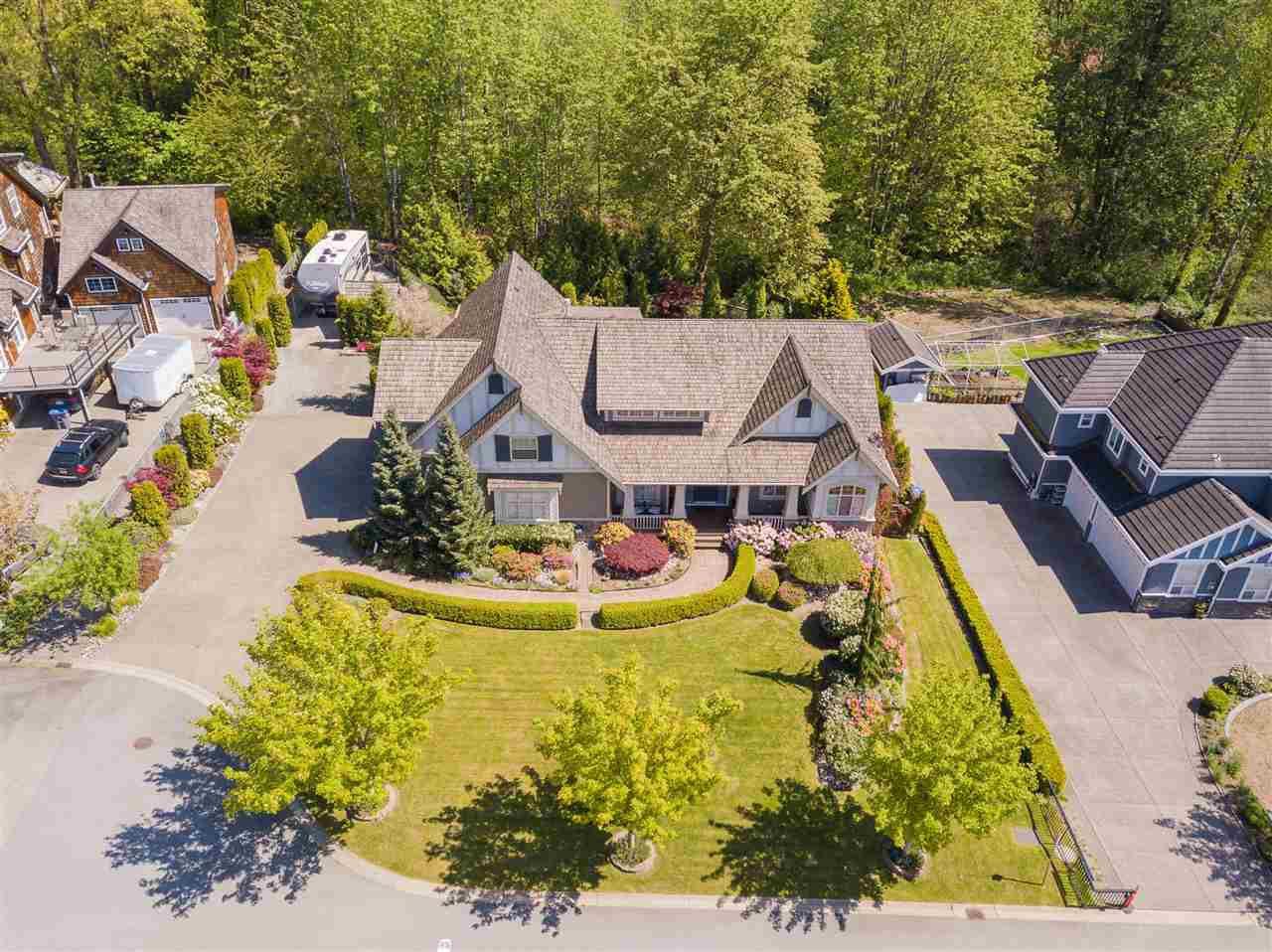 Main Photo: 7682 161 Street in Surrey: Fleetwood Tynehead House for sale : MLS®# R2385013