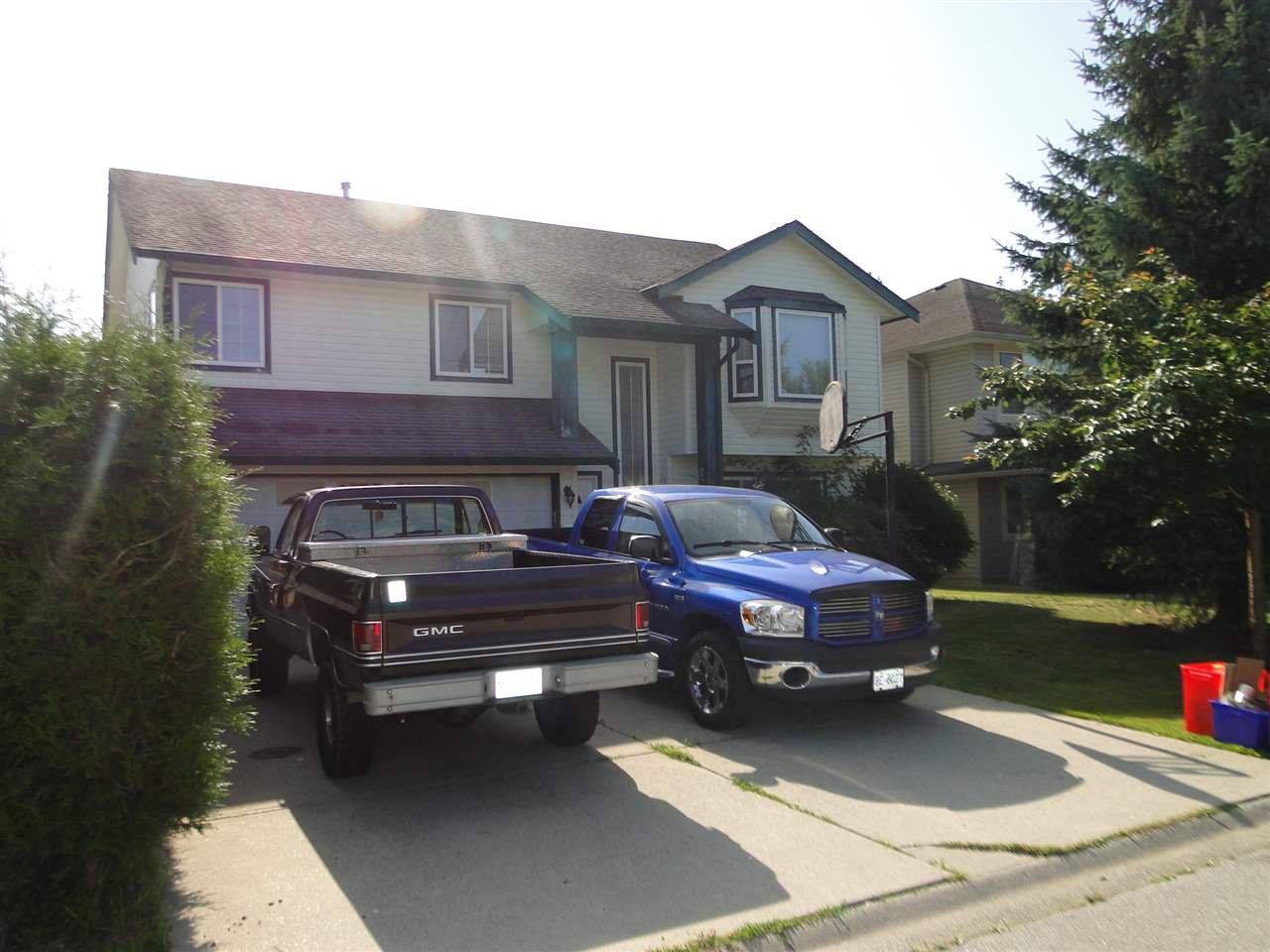 Main Photo: 11422 239 Street in Maple Ridge: Cottonwood MR House for sale : MLS®# R2392095