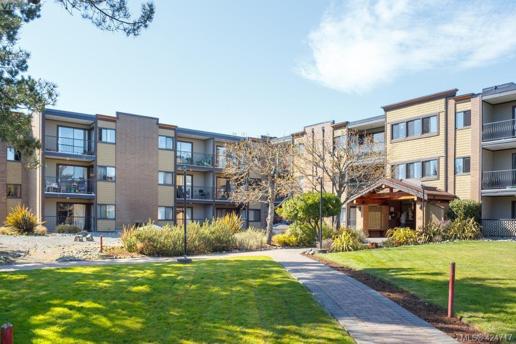 Main Photo: 113 1870 McKenzie Avenue in VICTORIA: SE Gordon Head Condo Apartment for sale (Saanich East)  : MLS®# 424717