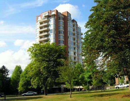 Main Photo: VIEW UNIT in prestigious Victoria Park West!